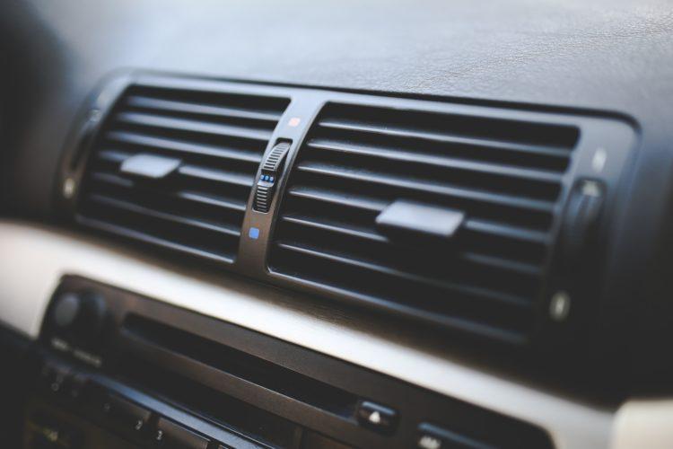 Condizionatore auto pulire il filtro